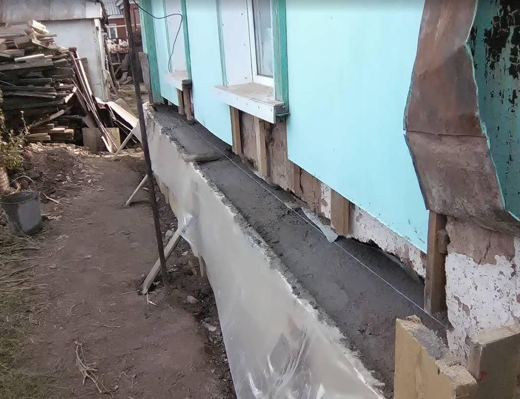 Выставили опалубку и залили бетон